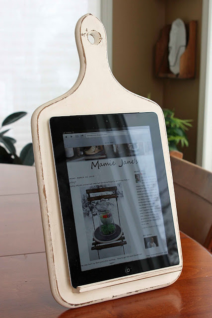 DIY Holiday Gift Idea: Kitchen Tablet Stand