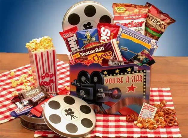 Homemade Valentine's Day Gifts: Movie Basket