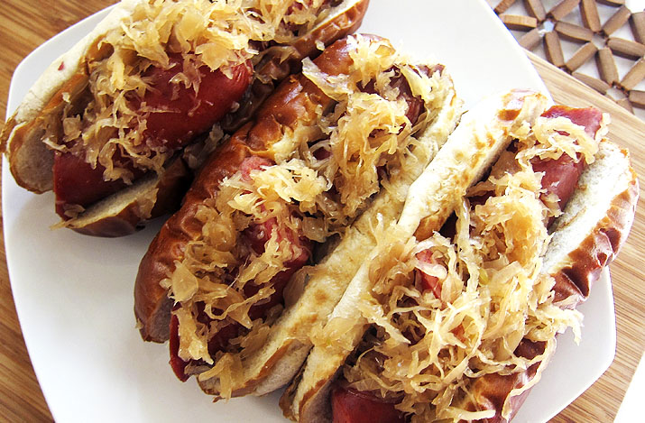 Crockpot Beer-Braised Sausage with Kraut